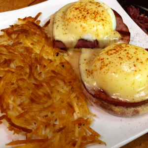 Traditional-Eggs-Benedict
